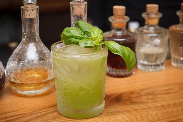 gin-basil-smashB7F2CD3C-1652-213A-7D2A-A665214D8D1A.jpg