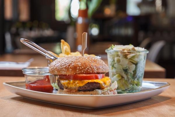 hamburger-in-schwabing-schwabinger-wassermann-33C997004-0AC4-E8E8-8A69-94FE9AC2056A.jpg