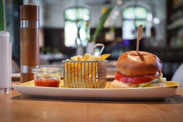 hamburger-in-schwabing-schwabinger-wassermann-6B0187ED1-DAC3-7621-CE8F-597767CD5A47.jpg