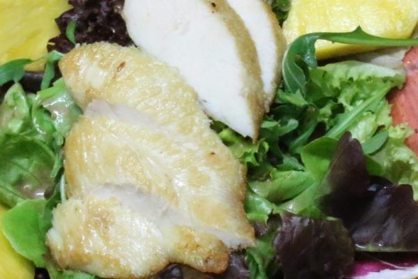 salat-huhn-nahaufnahmeC31E7214-FA8E-0FA9-7D8E-128FBC7DA4A4.jpg