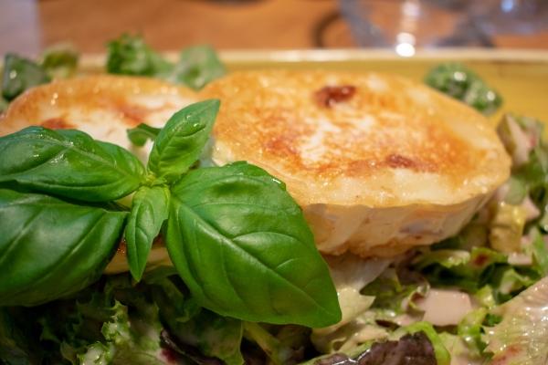 salat-ziegenkaese-na49A56445-488C-B220-B1E7-6FDBE4FCCE0B.jpg