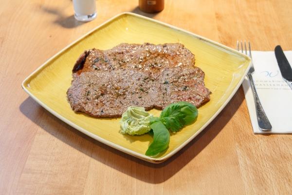 steak-filet-in-schwabing-schwabinger-wassermann-62B36B6E7-6418-0070-9C1F-7B6F13B1F3D0.jpg